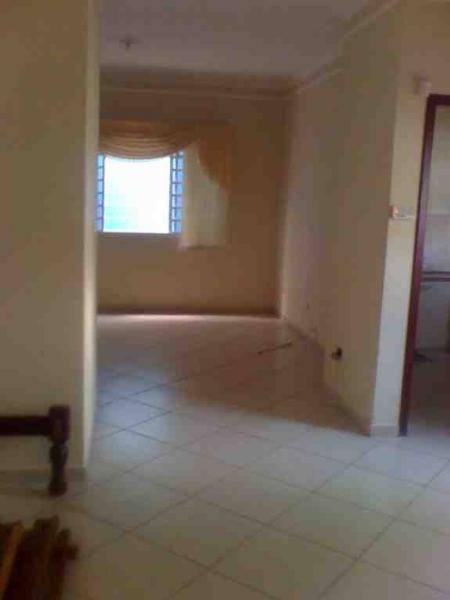 http://www.imoveltop.com.br/imagens/imovel/10/00388/00388040.jpg