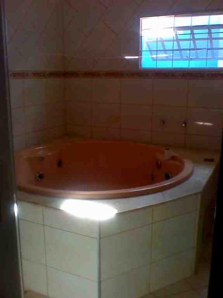 http://www.imoveltop.com.br/imagens/imovel/10/00388/00388046.jpg