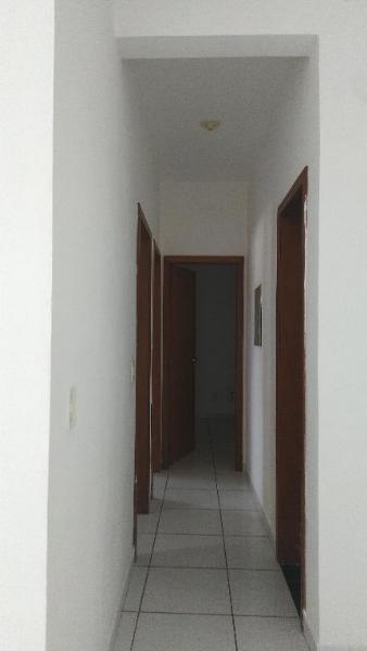 http://www.imoveltop.com.br/imagens/imovel/10/01245/0124500520210204.jpg