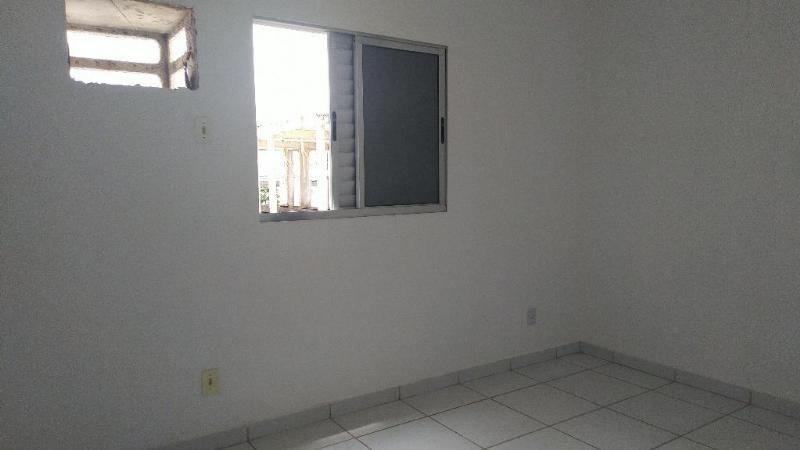 http://www.imoveltop.com.br/imagens/imovel/10/01245/0124500920210204.jpg