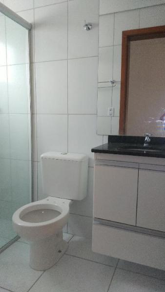 http://www.imoveltop.com.br/imagens/imovel/10/01245/0124501320210204.jpg