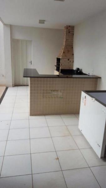 http://www.imoveltop.com.br/imagens/imovel/10/01245/0124502120210204.jpg