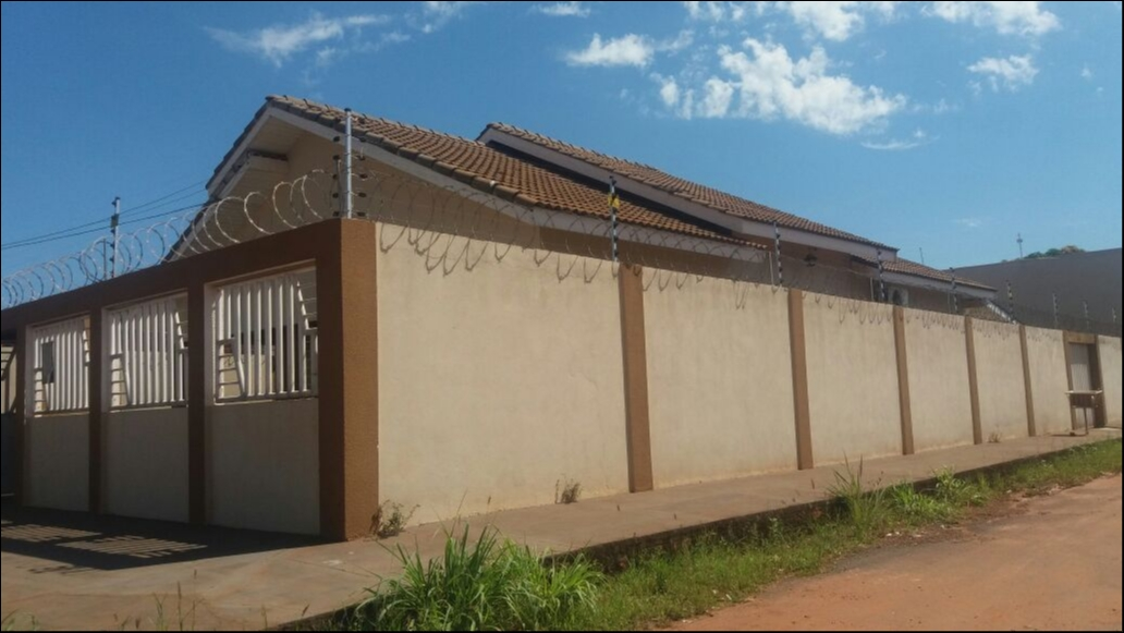 Casa  com 3 quartos sendo 2 Suítes no CHAPEU DO SOL, Várzea Grande  - MT
