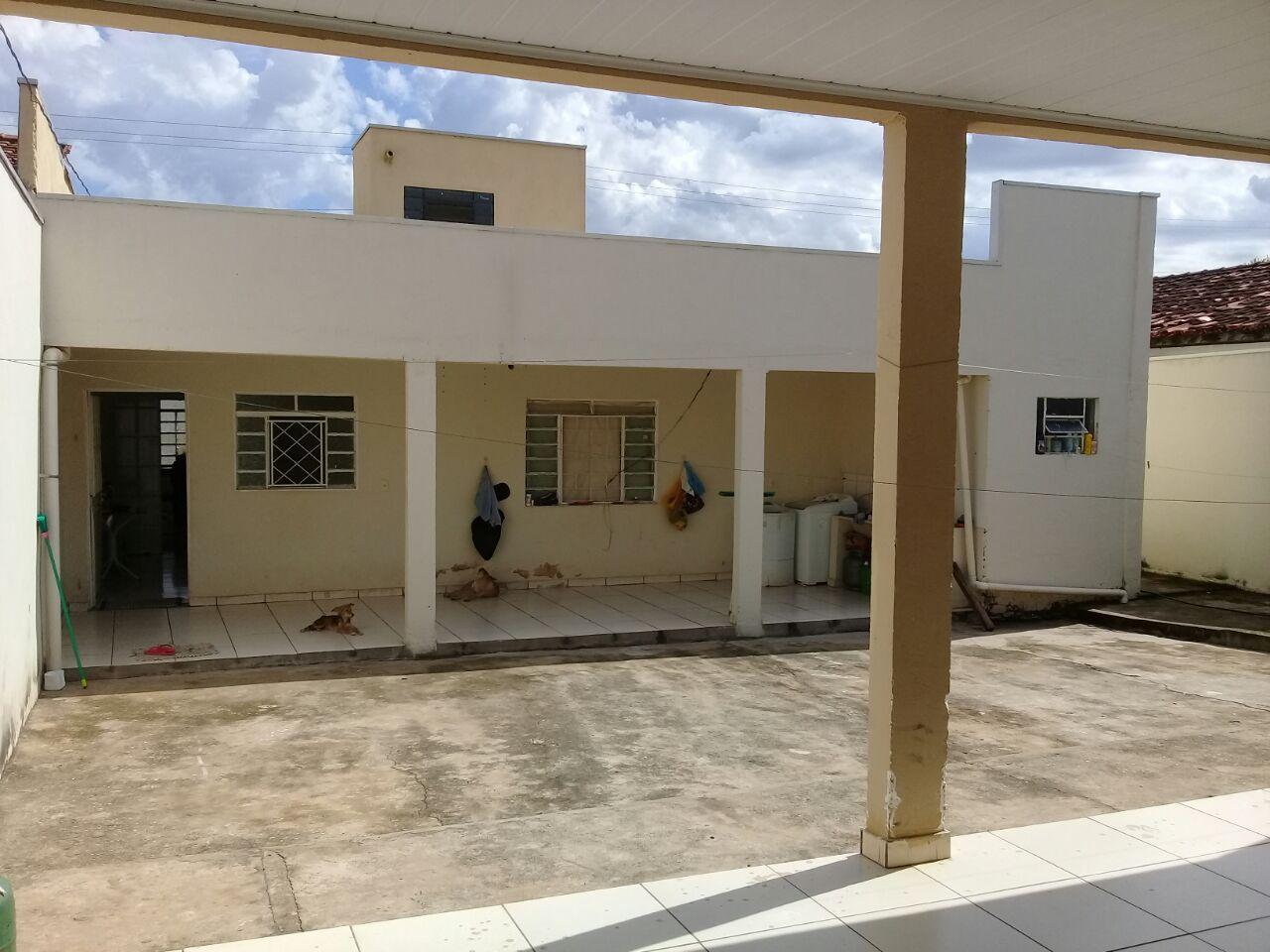 Casa  com 4 quartos sendo 1 Suíte no COPHEMA, Cuiabá  - MT
