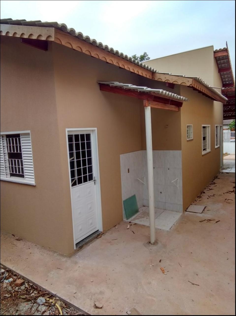 Casa  com 2 quartos no JD OURO VERDE, Várzea Grande  - MT