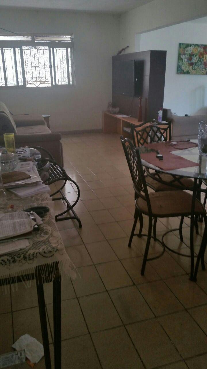 Casa  com 5 quartos sendo 2 Suítes no Jardim Tropical, Cuiabá  - MT