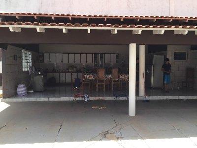 Casa  com 4 quartos sendo 1 Suíte no PLANALTO IPIRANGA, Várzea Grande  - MT