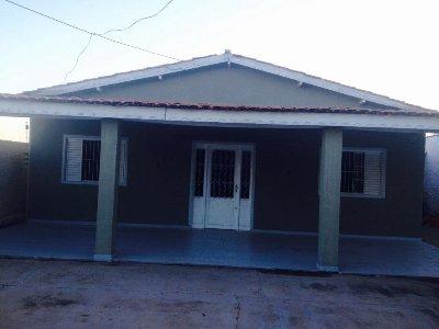 Casa à venda,  com 3 quartos sendo 1 suite no JD. INDEPENDENCIA em Cuiabá MT 101 10960