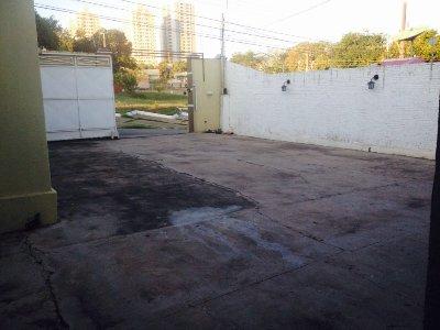 Casa  com 3 quartos sendo 1 Suíte no JD. INDEPENDENCIA, Cuiabá  - MT
