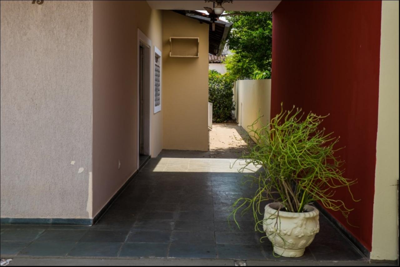 Casa à venda,  com 3 quartos sendo 2 suites no Jardim Itália em Cuiabá MT 101 11103