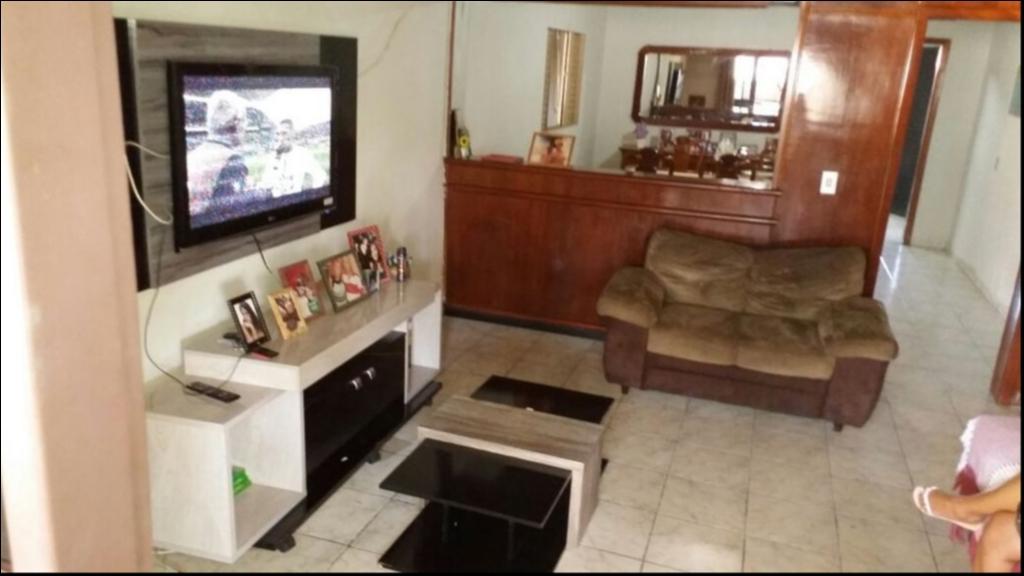 Casa à venda,  com 3 quartos sendo 1 suite no JD DOS ESTADOS em Várzea Grande MT 101 11217