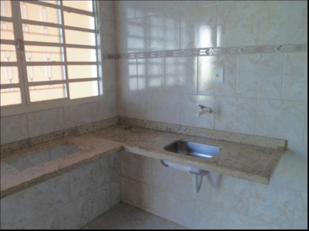 Casa para aluguel,  com 3 quartos sendo 1 suite no Coophamil em Cuiabá MT 101 11266
