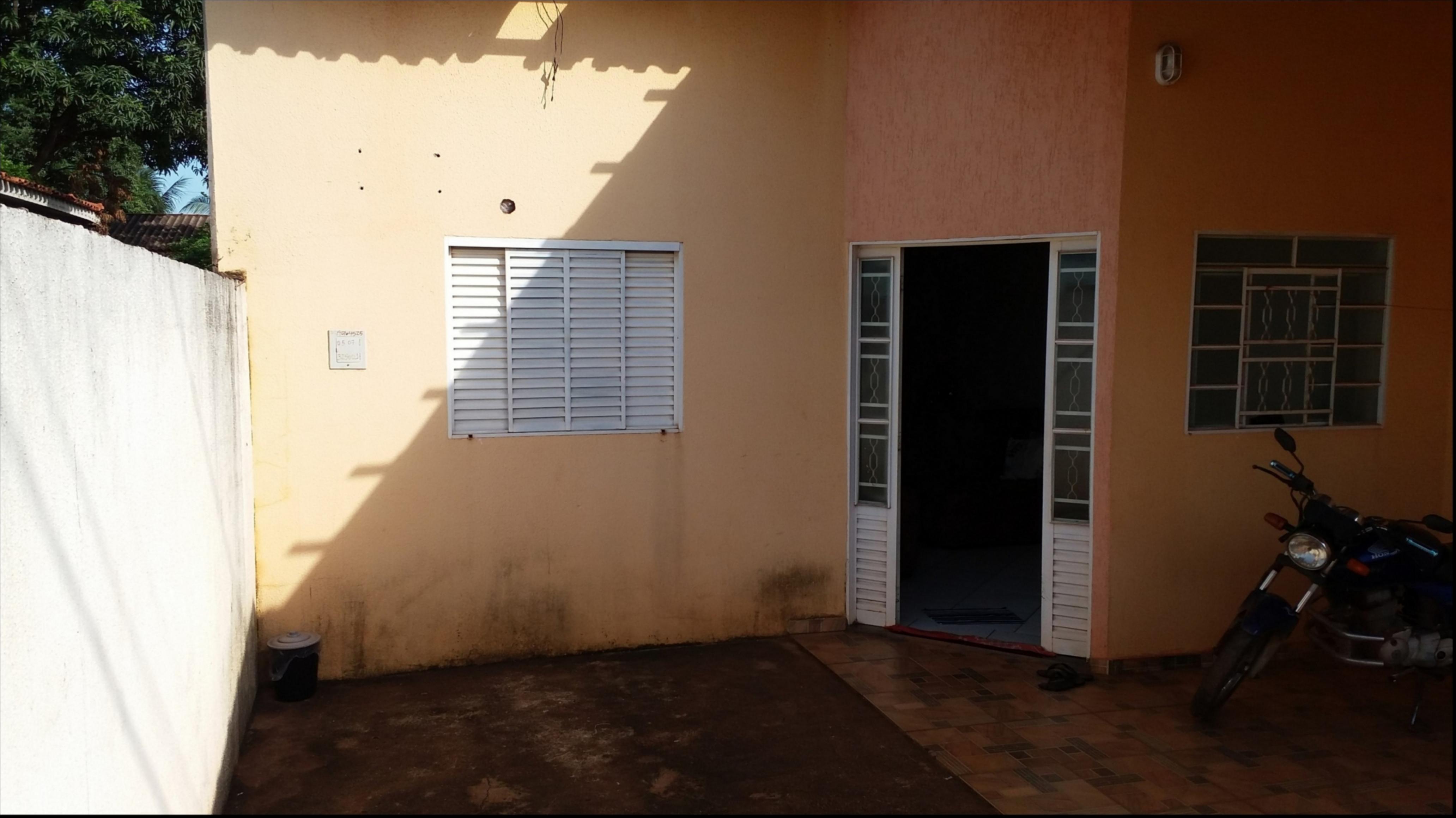 Casa para aluguel,  com 2 quartos no JD OURO VERDE em Várzea Grande MT 101 11275