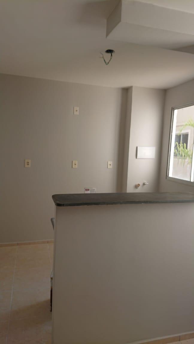 Apartamento  com 2 quartos no Jardim Imperial, Cuiabá  - MT
