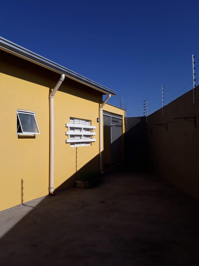 Casa  com 3 quartos sendo 1 Suíte no Jardim Comodoro, Cuiabá  - MT