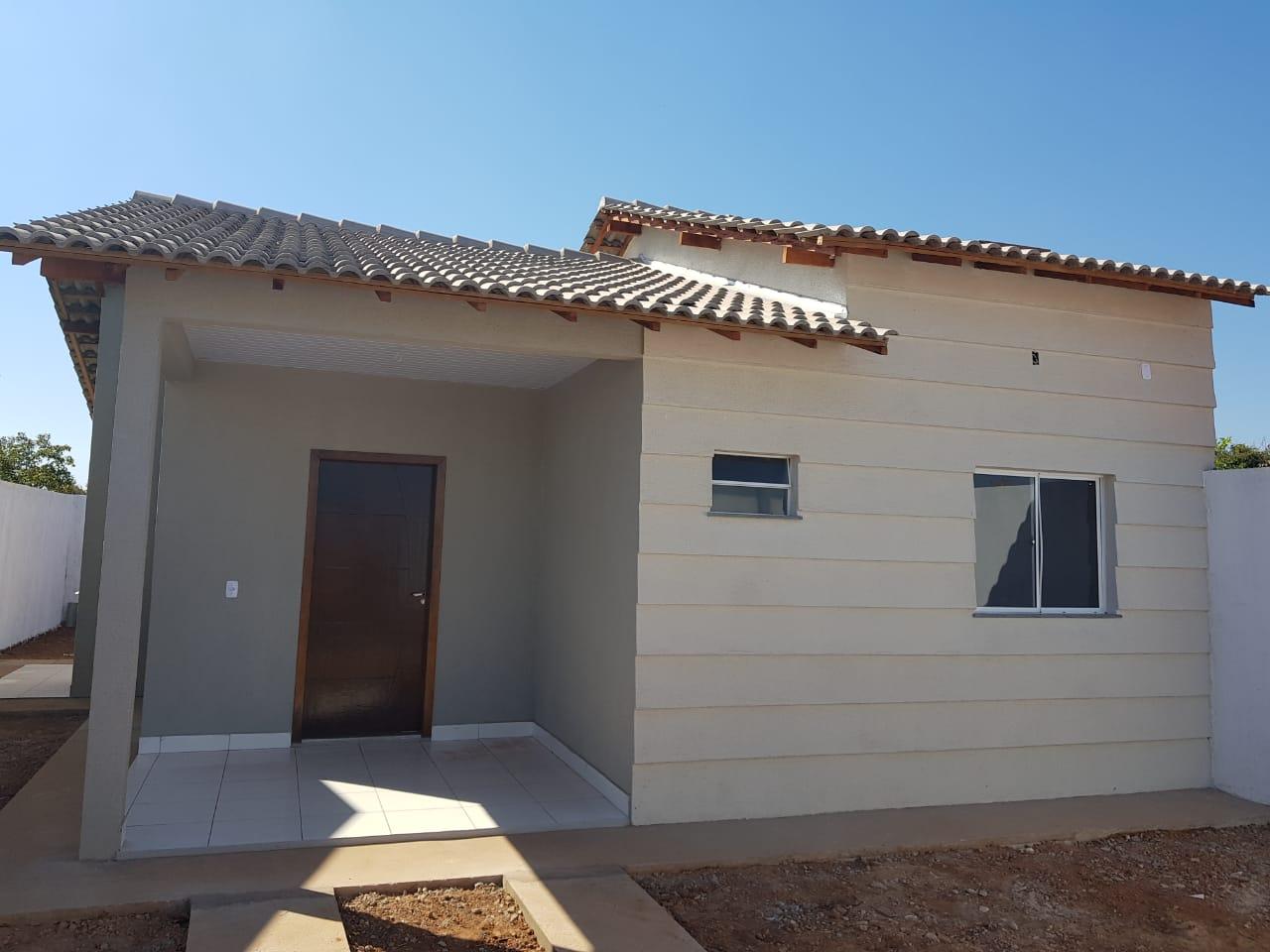 Casa à venda,  com 2 quartos no Novo Mundo em Várzea Grande MT 101 11895