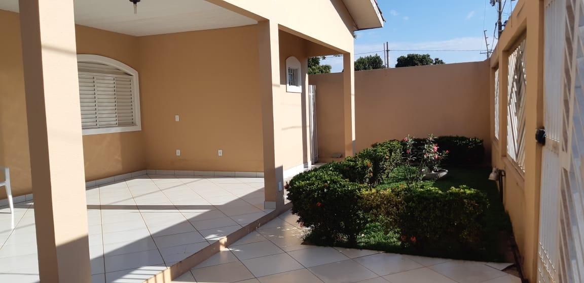 Casa à venda,  com 3 quartos sendo 1 suite no Centro-Sul em Várzea Grande MT 101 11931