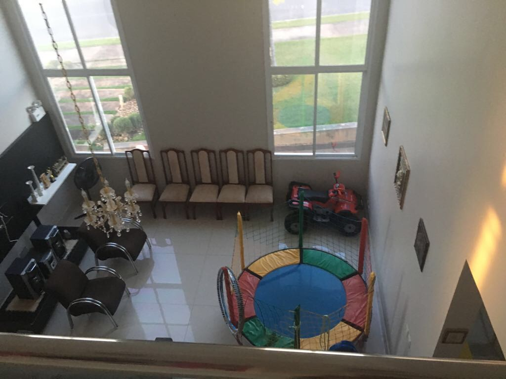 Sobrado  com 3 quartos sendo 3 Suítes no Condomínio Florais Cuiabá Residencial, Cuiabá  - MT