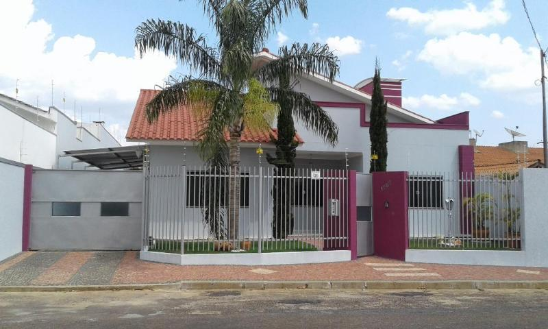 Casa  com 3 quartos sendo 2 Suítes no Jardim Riva, Primavera do Leste  - MT