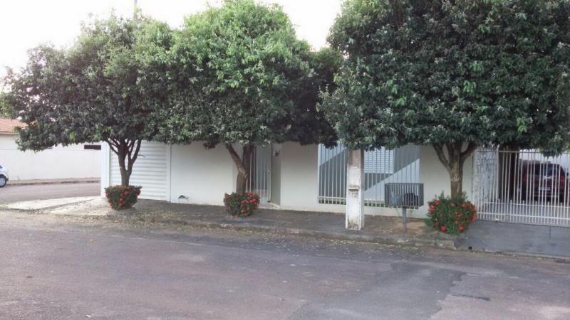 Casa  com 3 quartos sendo 1 Suíte no Jardim Vitoria, Primavera do Leste  - MT