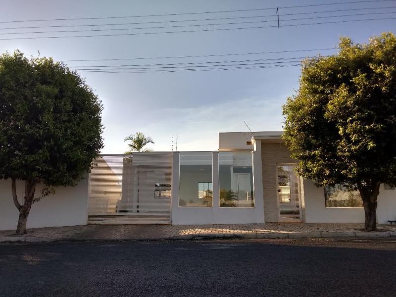 Casa  com 3 quartos sendo 1 Suíte no Jardim Riva, Primavera do Leste  - MT