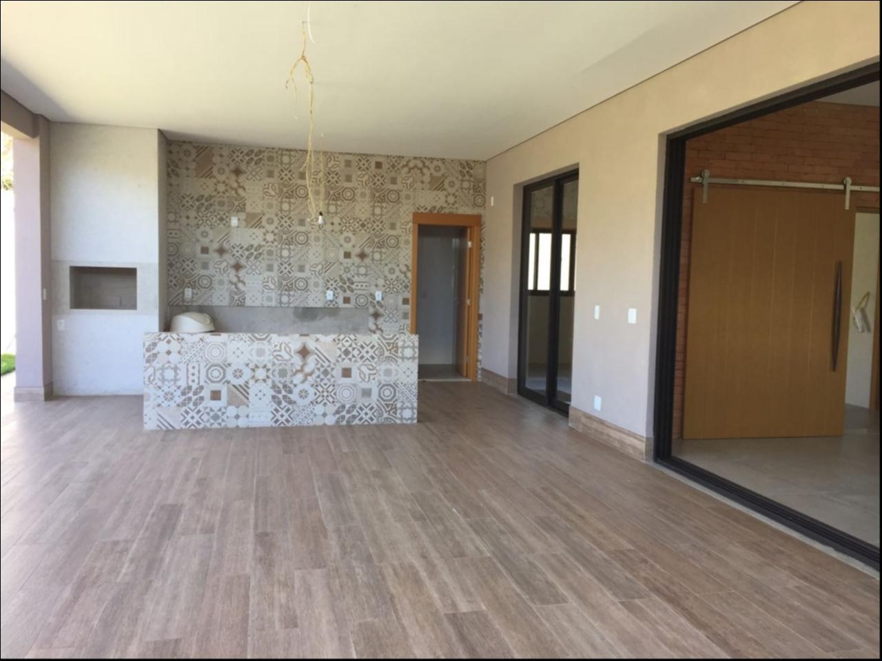 Casa Cond. Fechado  com 3 quartos sendo 3 Suítes no FLORAIS CUIABA, Cuiabá  - MT