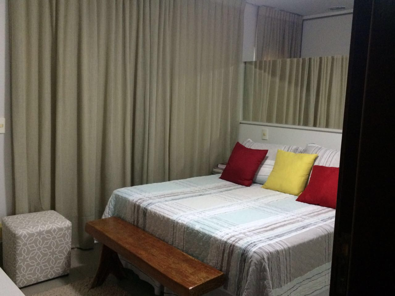 Casa Cond. Fechado  com 3 quartos sendo 1 Suíte no Jardim Imperial, Cuiabá  - MT