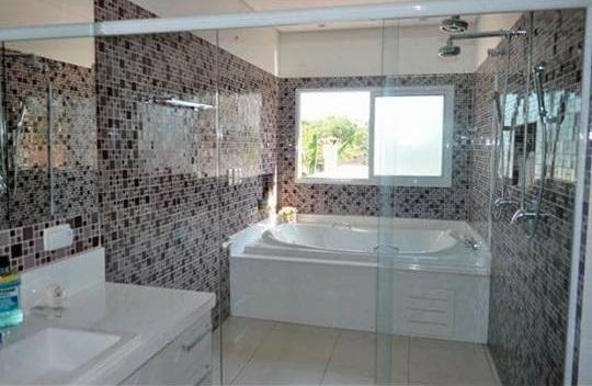 Casa Cond. Fechado  com 3 quartos sendo 1 Suíte no Condomínio Florais Cuiabá Residencial, Cuiabá  - MT