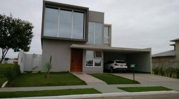 Casa Cond. Fechado  com 4 quartos sendo 4 Suítes no Condomínio Residencial Florais dos Lagos, Cuiabá  - MT