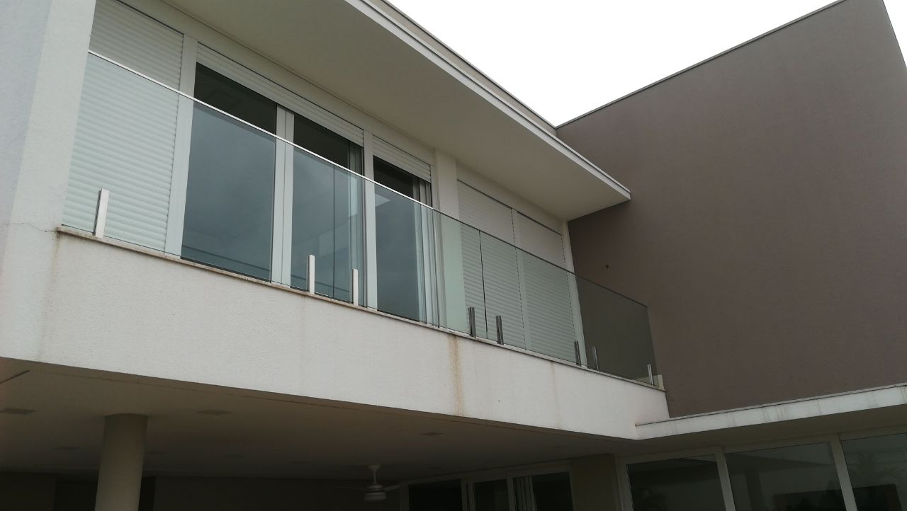 Casa Cond. Fechado  com 4 quartos sendo 4 Suítes no Condomínio Florais dos Lagos , Cuiabá  - MT