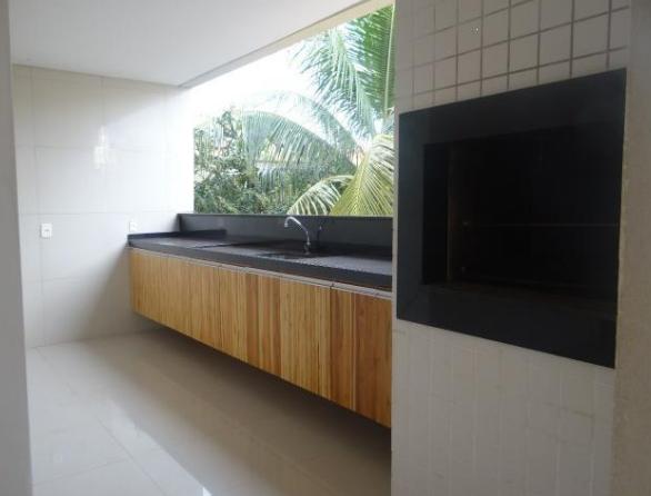 Casa Cond. Fechado  com 4 quartos sendo 3 Suítes no Jardim Imperial, Cuiabá  - MT