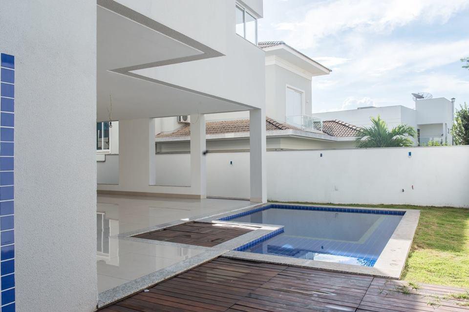 Casa Cond. Fechado  com 5 quartos sendo 4 Suítes no Jardim Itália, Cuiabá  - MT