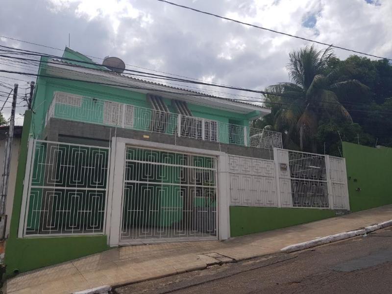 Sobrado  com 4 quartos sendo 2 suítes no Pocao, Cuiabá  - MT