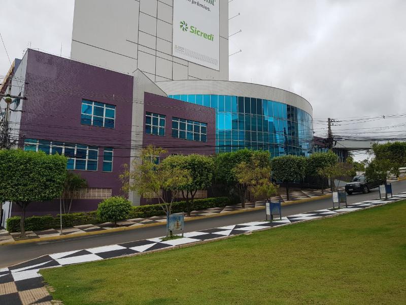 Sala  com 10 quartos no Bosque da Saúde, Cuiabá  - MT