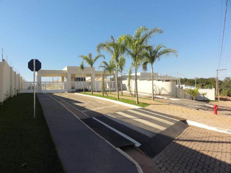Casa Cond. Fechado  com 3 quartos sendo 3 suítes no Ribeirao do Lipa, Cuiabá  - MT
