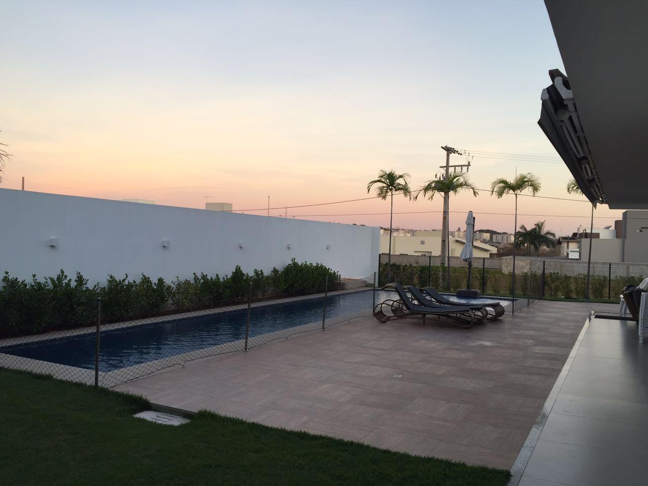 Casa Cond. Fechado  com 4 quartos sendo 4 suítes no Ribeirão do Lipa, Cuiabá  - MT