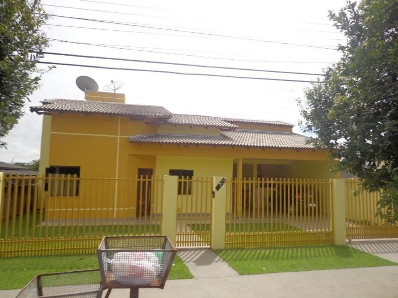 Casa  com 4 quartos sendo 2 Suítes no Jardim das Palmeiras, Lucas do Rio Verde  - MT