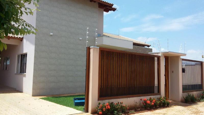 Casa  com 2 quartos sendo 1 Suíte no Bandeirantes, Lucas do Rio Verde  - MT
