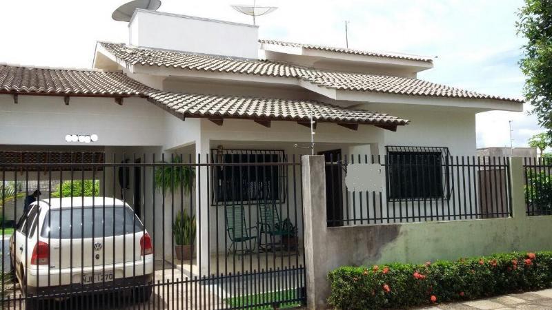 Casa  com 3 quartos sendo 1 Suíte no Parque das Araras, Lucas do Rio Verde  - MT