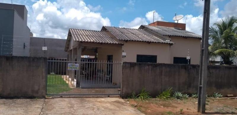 Casa  com 2 quartos no Parque das Araras, Lucas do Rio Verde  - MT