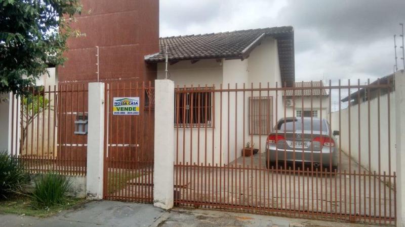 Casa  com 4 quartos sendo 1 Suíte no Parque das Araras, Lucas do Rio Verde  - MT
