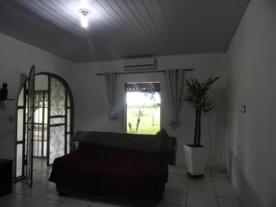http://www.imoveltop.com.br/imagens/imovel/93/00216/20130114_171604_305426.jpg